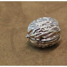 Ardè Walnut ornament